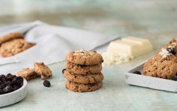 cookies with white chocolate and cranberry