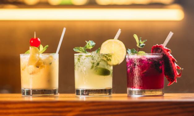 Alkohol na diecie ketogenicznej: czy picie wyrwie cię z ketozy?